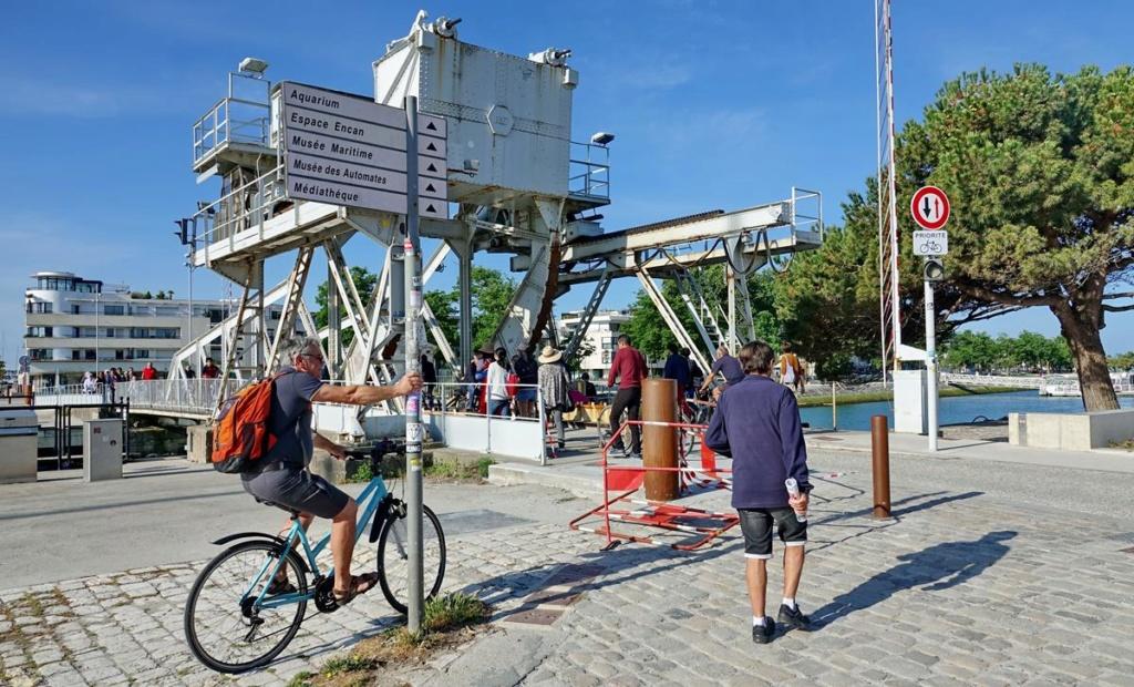 [Vie des Ports ] Port de La Rochelle  Ile_d288