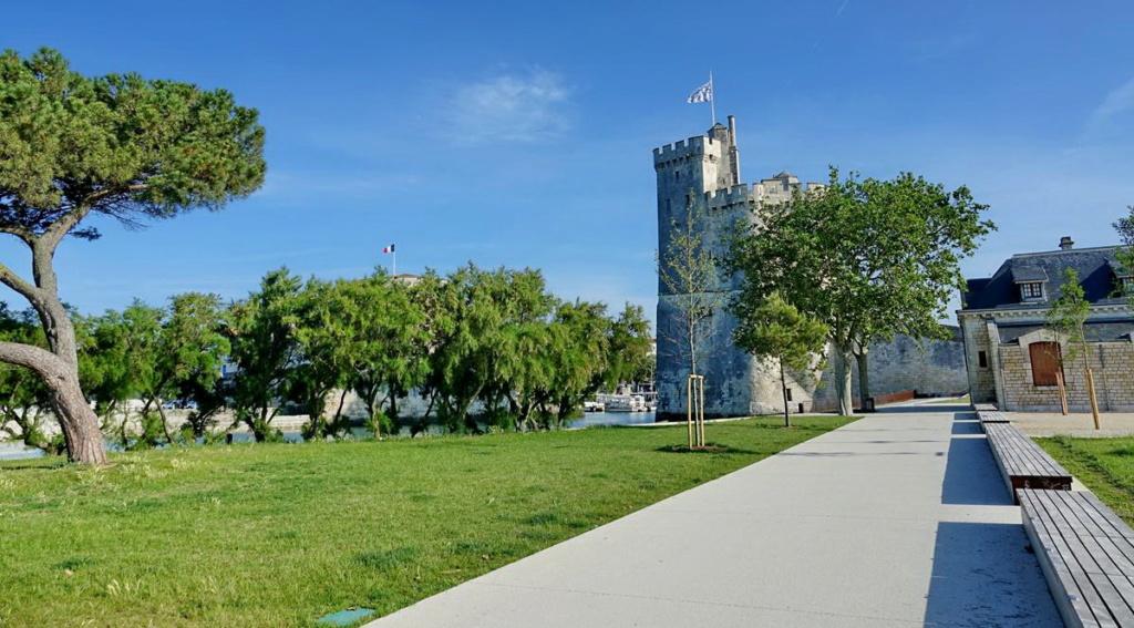 [Vie des Ports ] Port de La Rochelle  Ile_d291
