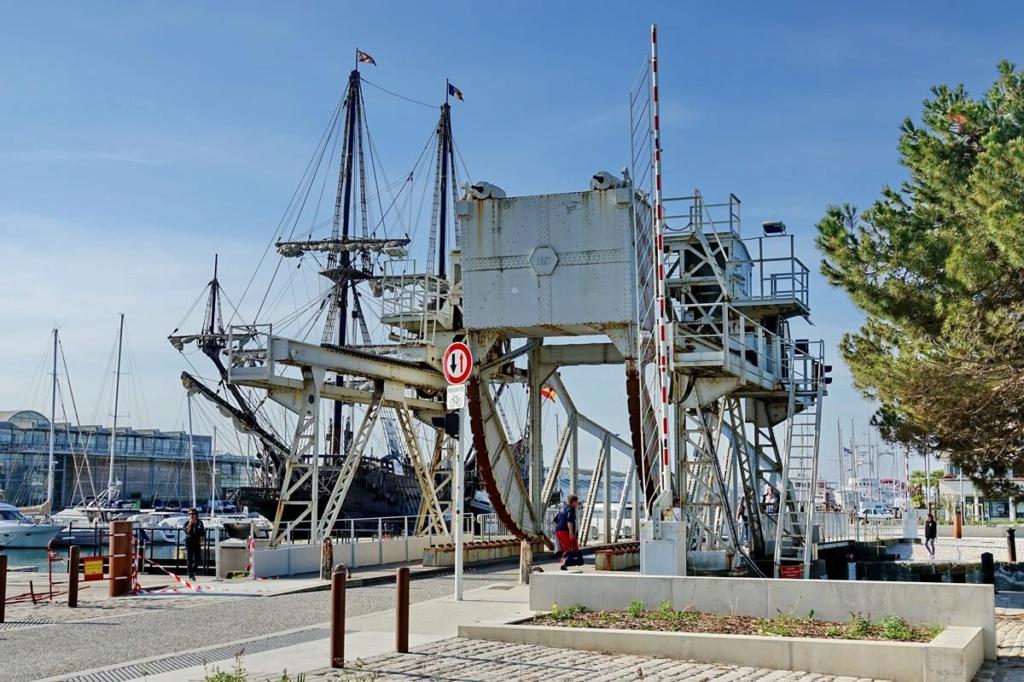 [Vie des Ports ] Port de La Rochelle  Ile_d294