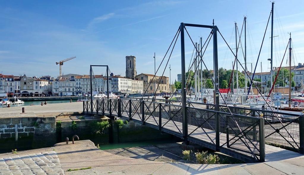 [Vie des Ports ] Port de La Rochelle  Ile_d295