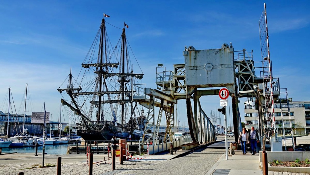 [Vie des Ports ] Port de La Rochelle  Ile_d296