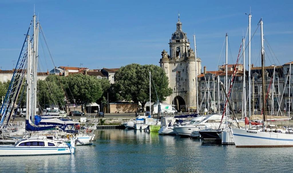 [Vie des Ports ] Port de La Rochelle  Ile_d299
