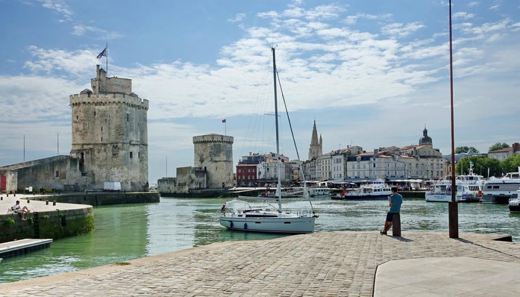 [Vie des Ports ] Port de La Rochelle  - Page 2 Ile_d339