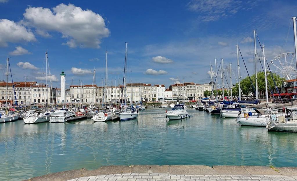 [Vie des Ports ] Port de La Rochelle  - Page 2 Ile_d340
