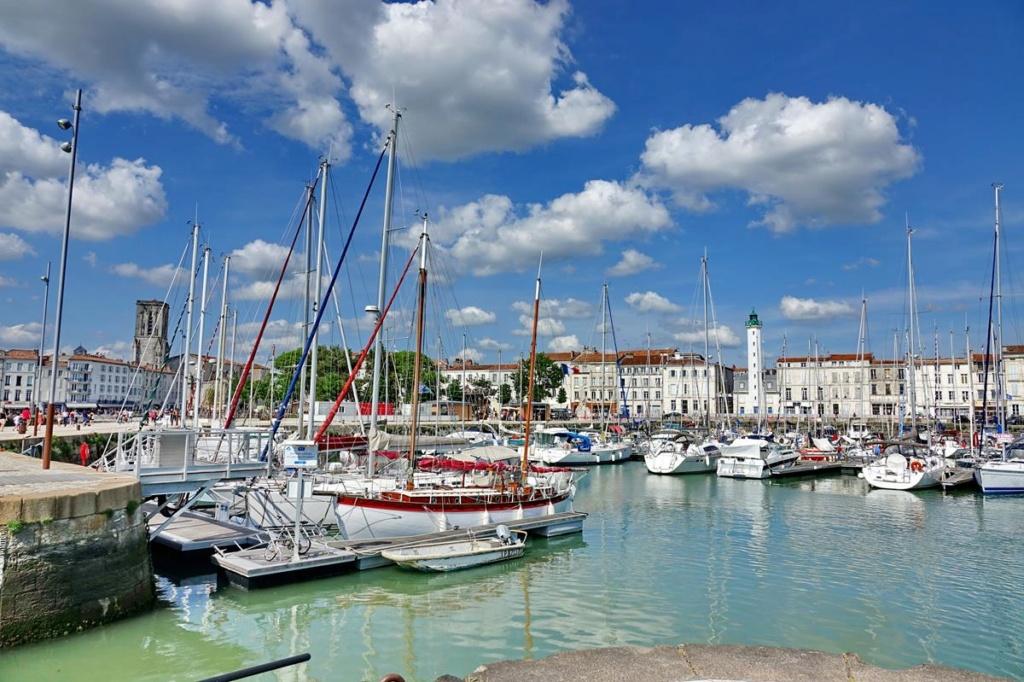 [Vie des Ports ] Port de La Rochelle  - Page 2 Ile_d341