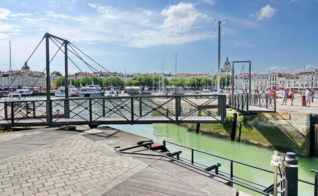 [Vie des Ports ] Port de La Rochelle  - Page 2 Ile_d345