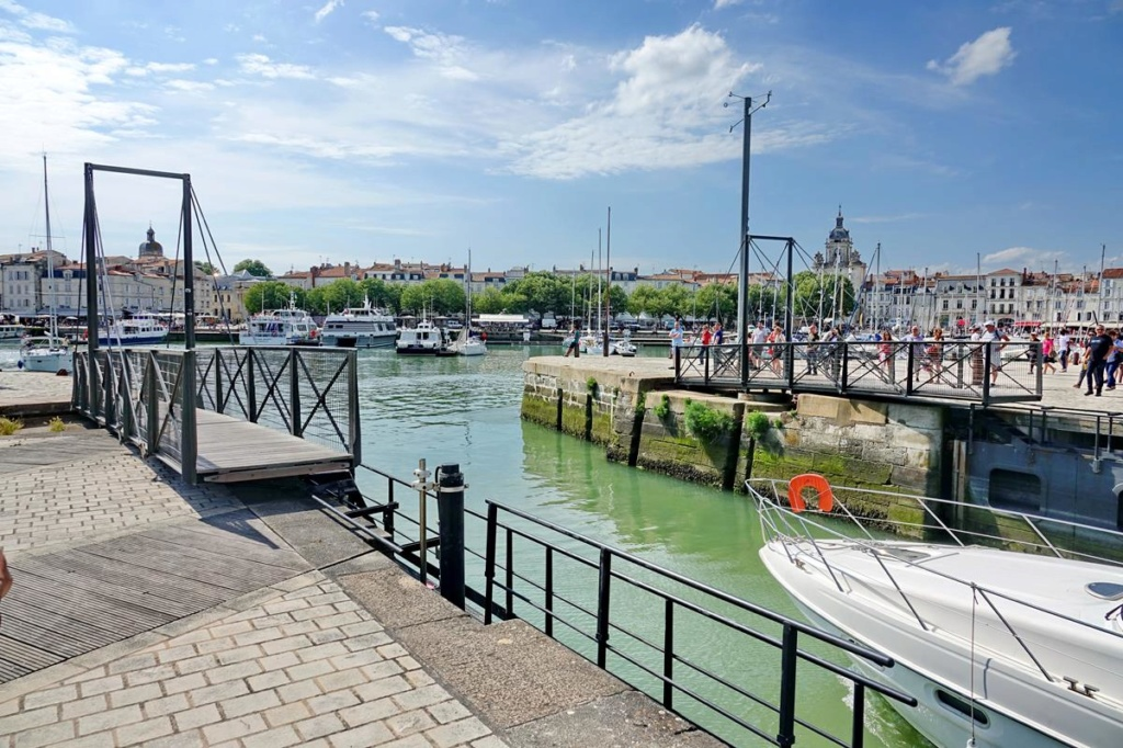 [Vie des Ports ] Port de La Rochelle  - Page 2 Ile_d348
