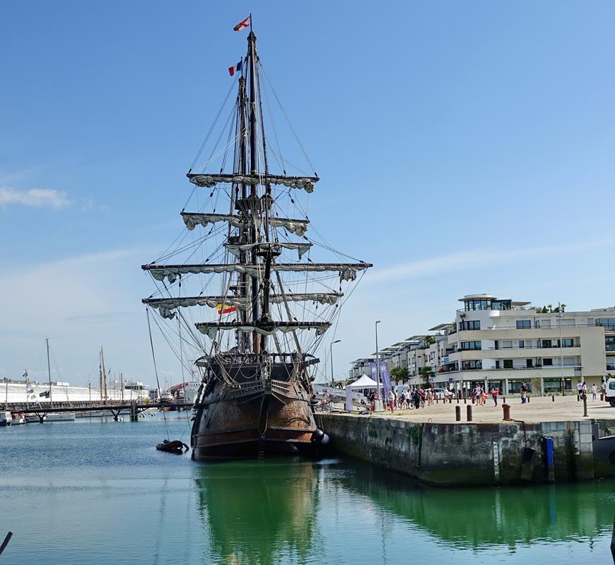 [Vie des Ports ] Port de La Rochelle  - Page 2 Ile_d415