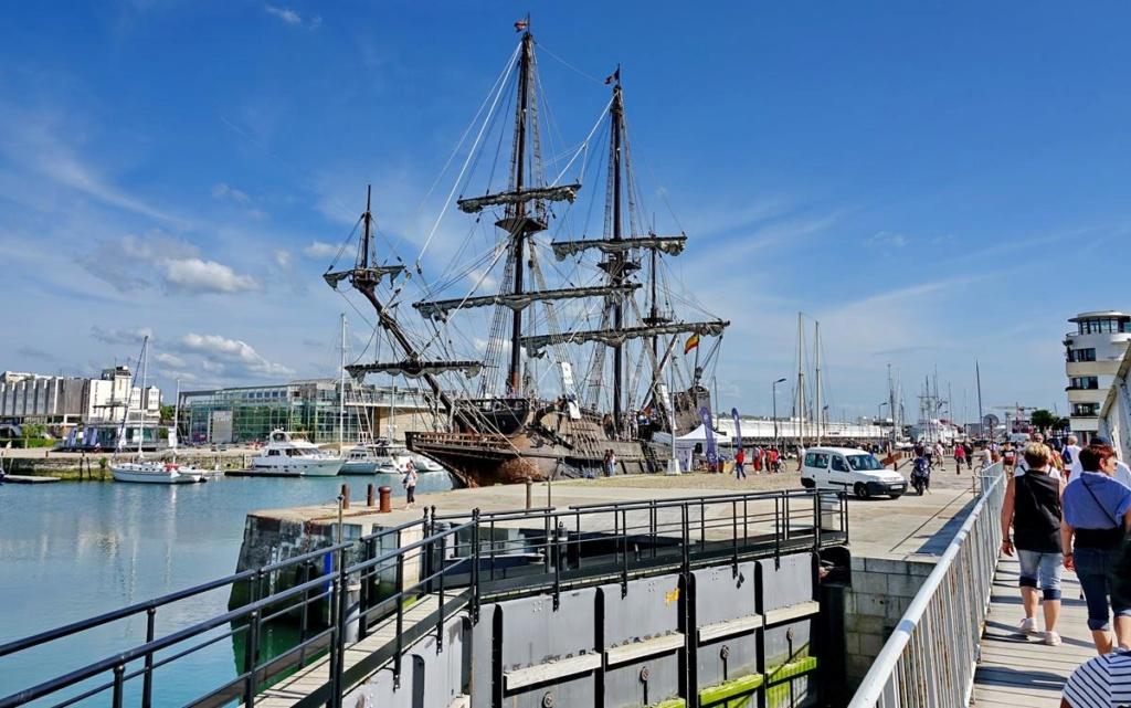 [Vie des Ports ] Port de La Rochelle  - Page 2 Ile_d417