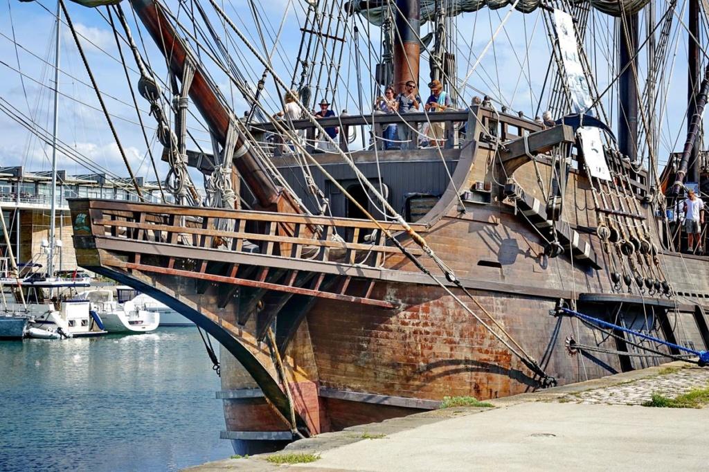 [Vie des Ports ] Port de La Rochelle  - Page 2 Ile_d429