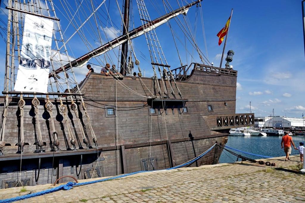 [Vie des Ports ] Port de La Rochelle  - Page 2 Ile_d445
