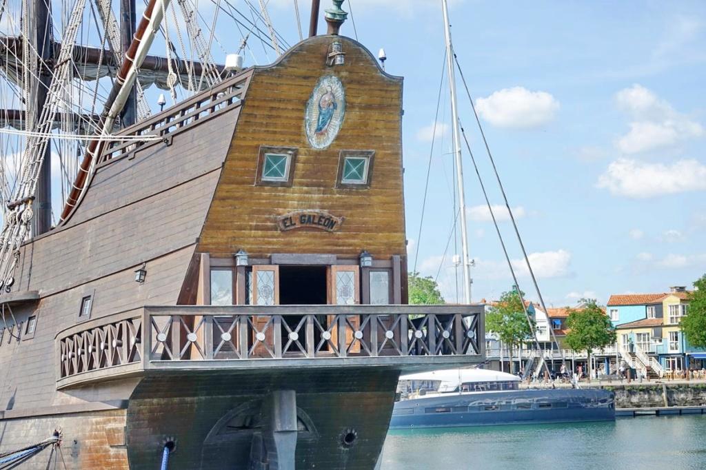 [Vie des Ports ] Port de La Rochelle  - Page 2 Ile_d454