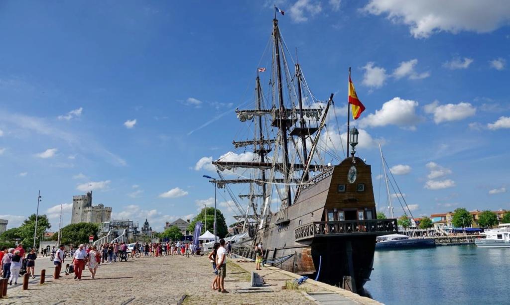 [Vie des Ports ] Port de La Rochelle  - Page 2 Ile_d455