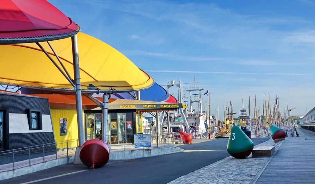 [Vie des Ports ] Port de La Rochelle  Ile_d_11