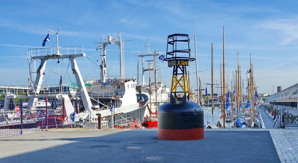 [Vie des Ports ] Port de La Rochelle  Ile_d_14