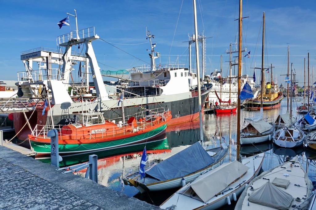 [Vie des Ports ] Port de La Rochelle  Ile_d_17
