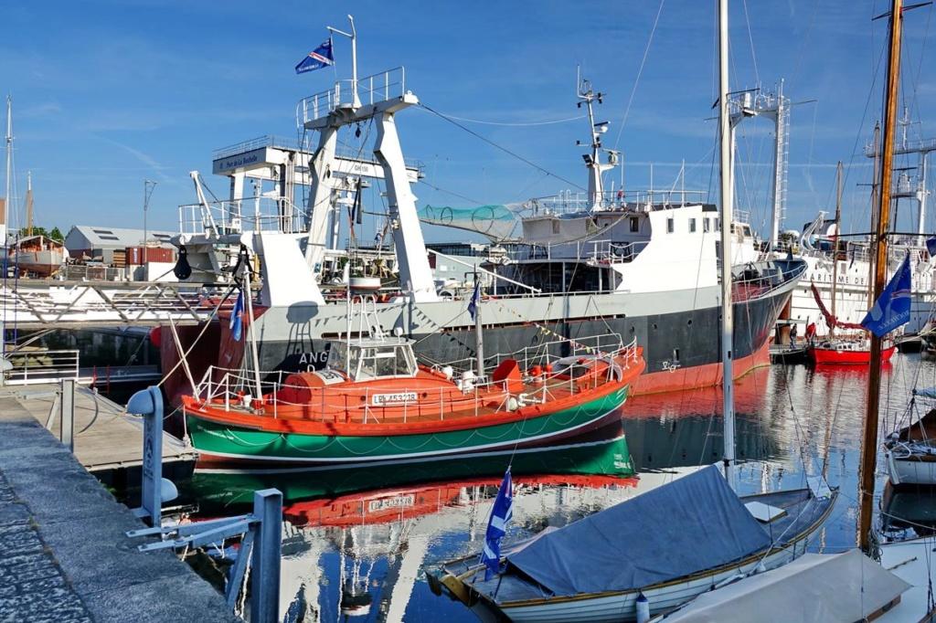 [Vie des Ports ] Port de La Rochelle  Ile_d_18