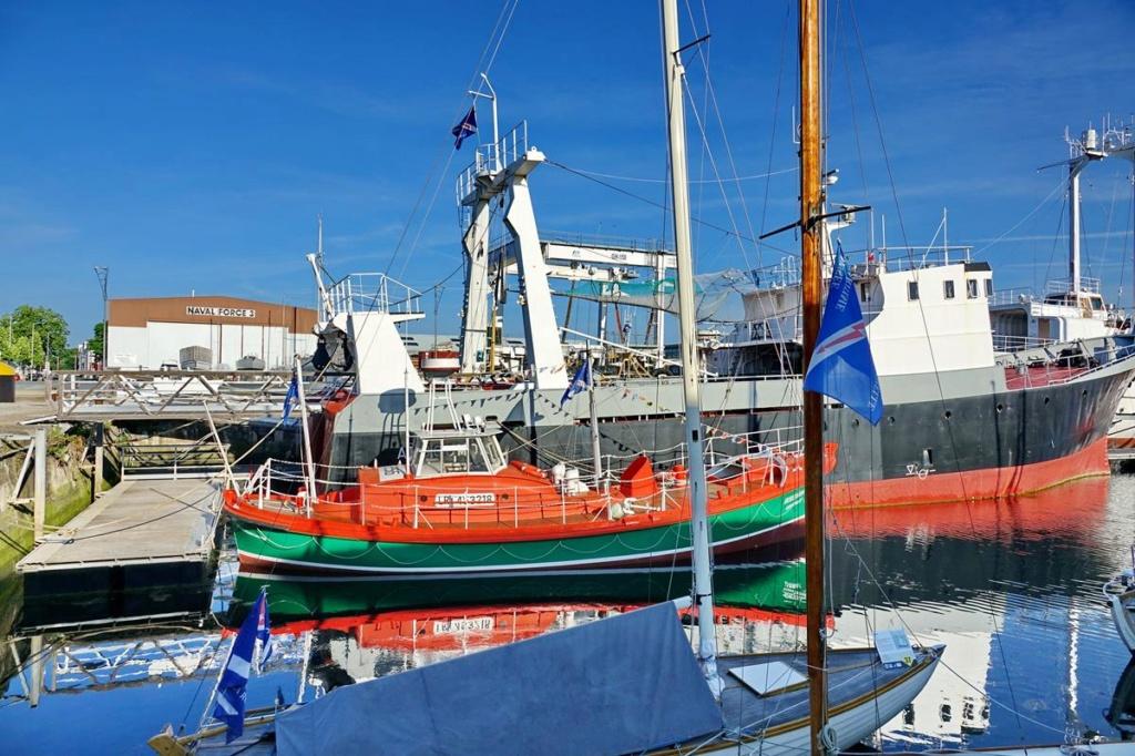 [Vie des Ports ] Port de La Rochelle  Ile_d_21