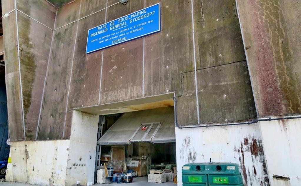 [Les ports militaires de métropole] Port de LORIENT - Page 5 Lorie109