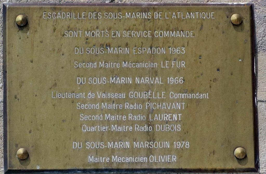[Les ports militaires de métropole] Port de LORIENT - Page 5 Lorie122