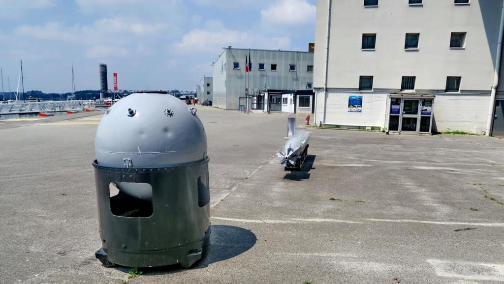 [Les ports militaires de métropole] Port de LORIENT - Page 5 Lorien94