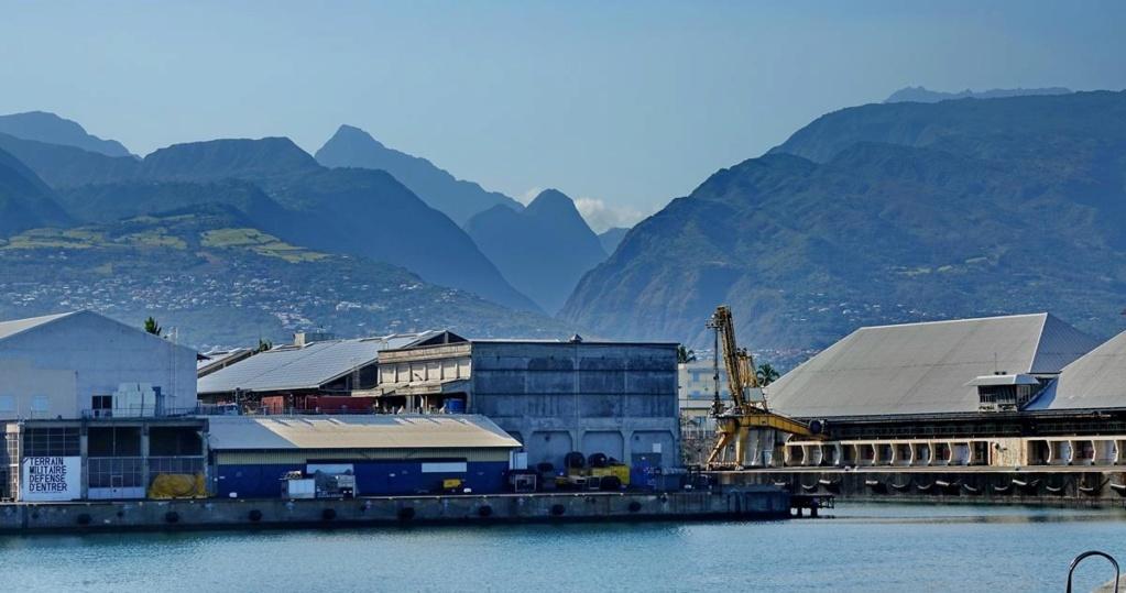 [Vie des ports] Les ports de la Réunion - Page 14 Port_130