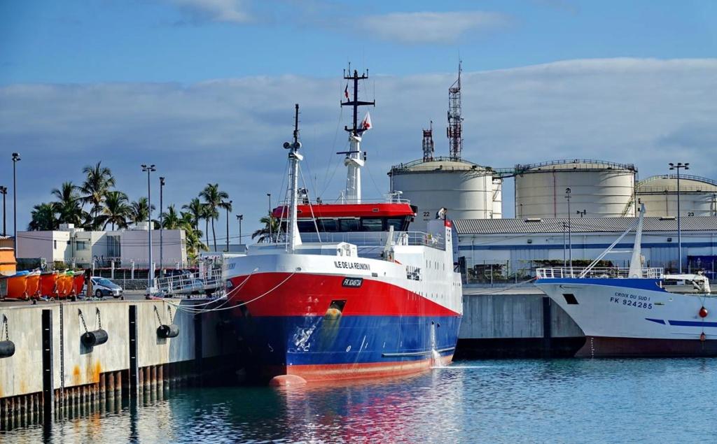 [Vie des ports] Les ports de la Réunion - Page 14 Port_136