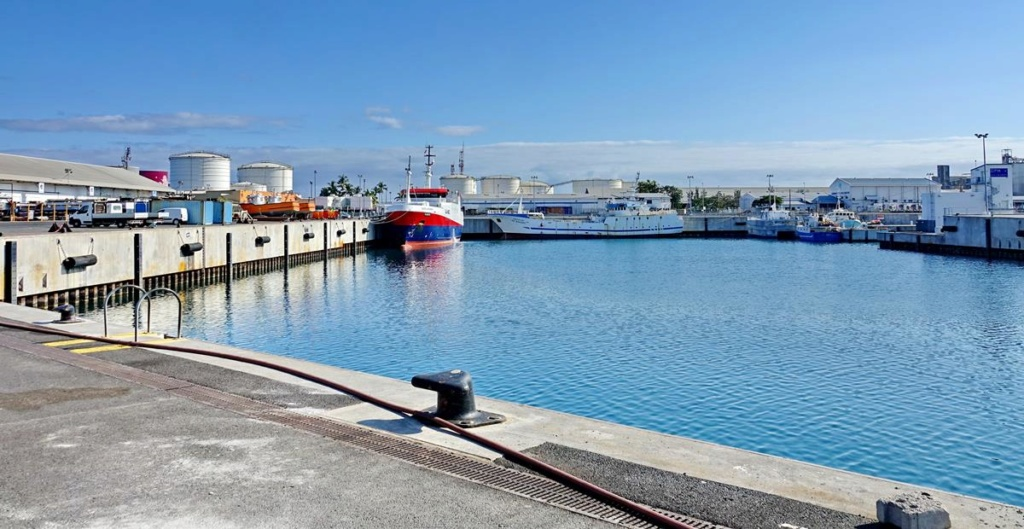[Vie des ports] Les ports de la Réunion - Page 14 Port_137