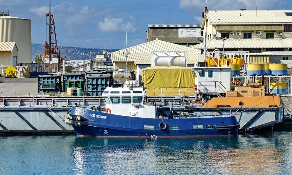 [Vie des ports] Les ports de la Réunion - Page 14 Port_158