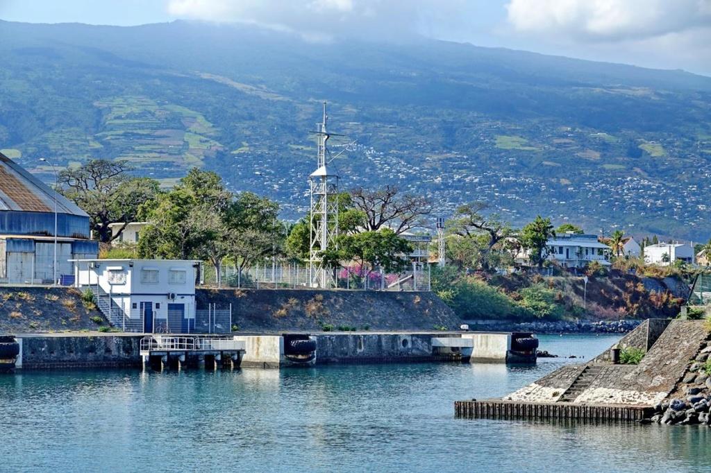 [Vie des ports] Les ports de la Réunion - Page 14 Port_160