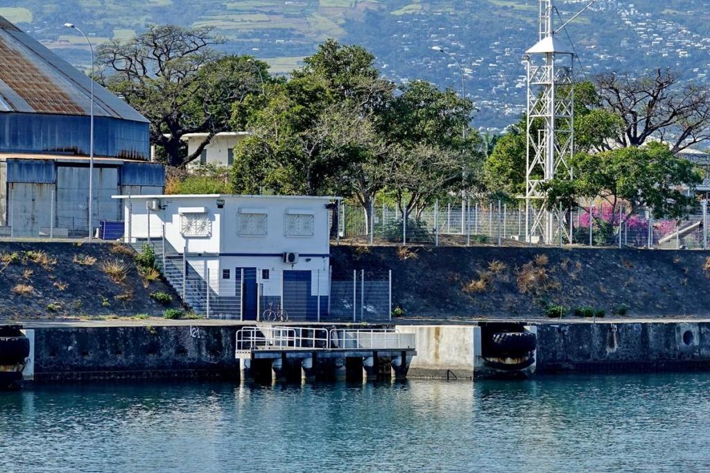[Vie des ports] Les ports de la Réunion - Page 14 Port_161