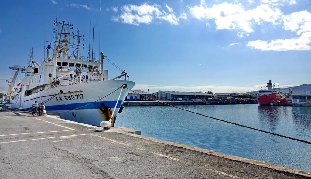 [Vie des ports] Les ports de la Réunion - Page 14 Port_169