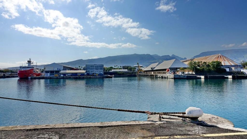 [Vie des ports] Les ports de la Réunion - Page 14 Port_170