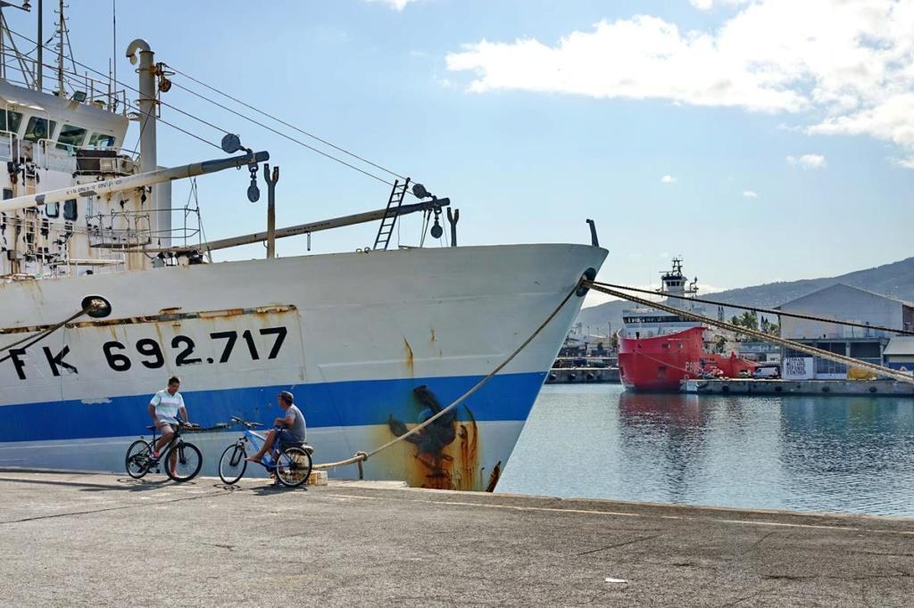 [Vie des ports] Les ports de la Réunion - Page 14 Port_219