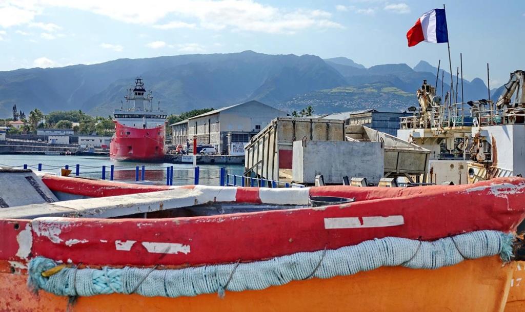 [Vie des ports] Les ports de la Réunion - Page 14 Port_234