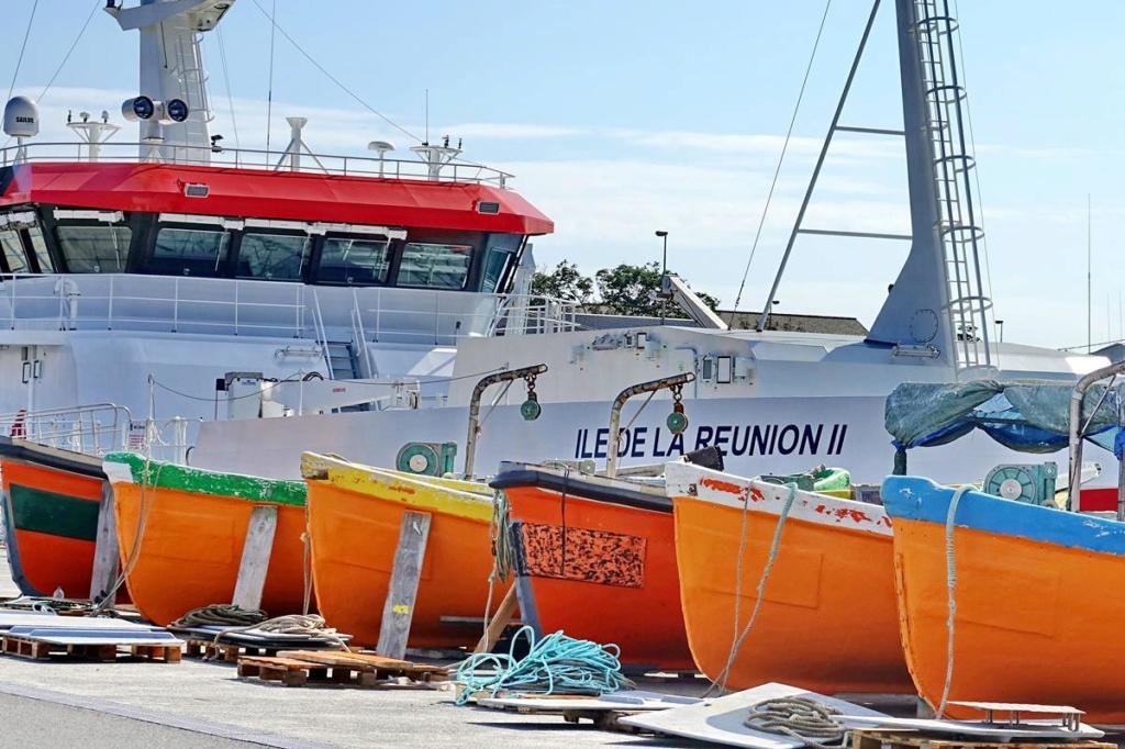 [Vie des ports] Les ports de la Réunion - Page 14 Port_248