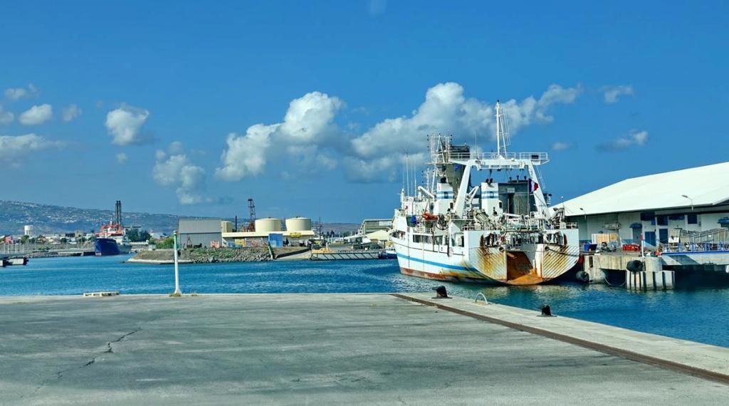[Vie des ports] Les ports de la Réunion - Page 14 Port_264