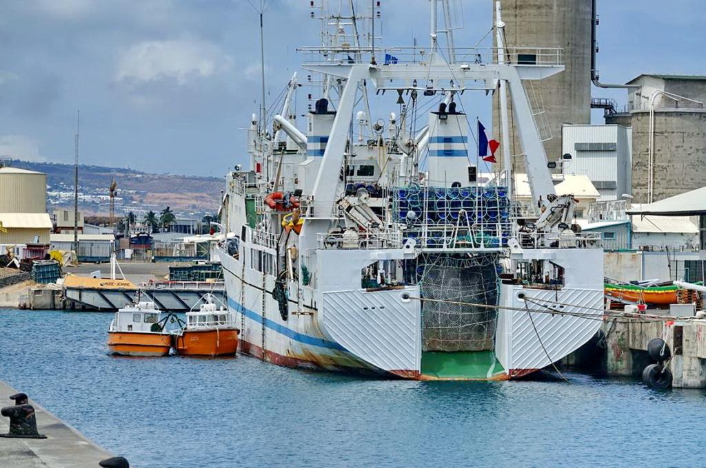 [Vie des ports] Les ports de la Réunion - Page 14 Port_274