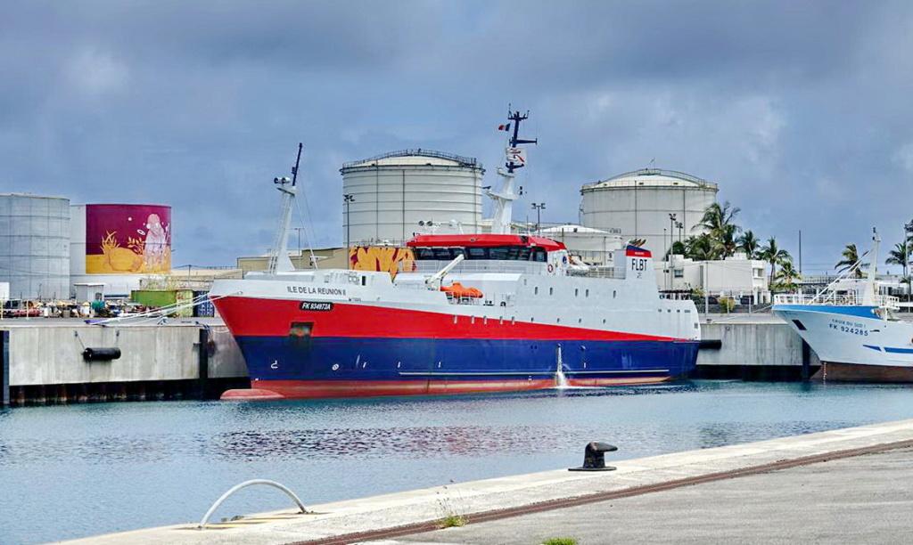 [Vie des ports] Les ports de la Réunion - Page 14 Port_285