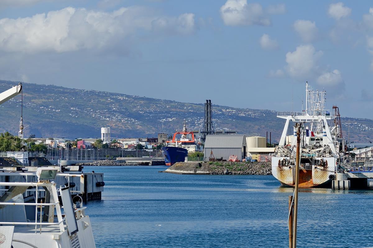 [Vie des ports] Les ports de la Réunion - Page 15 Port_660