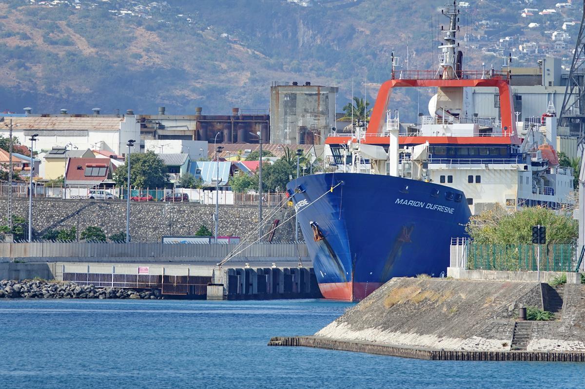 [Vie des ports] Les ports de la Réunion - Page 15 Port_661