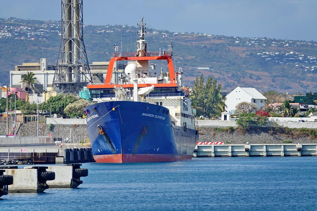 [Vie des ports] Les ports de la Réunion - Page 15 Port_667