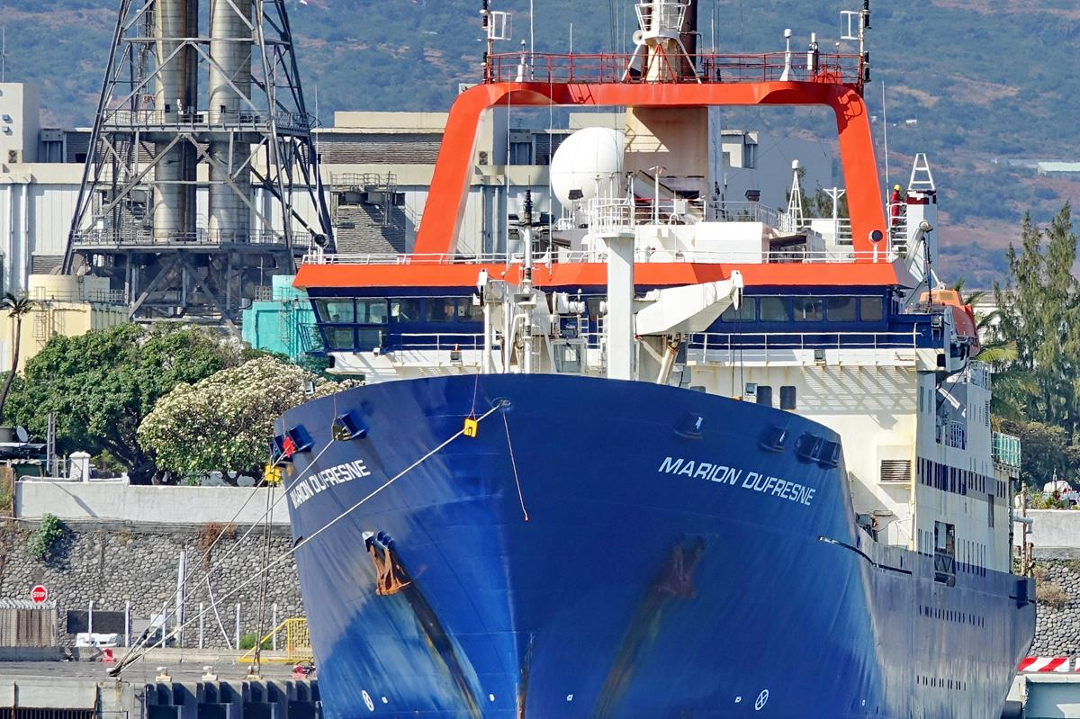 [Vie des ports] Les ports de la Réunion - Page 15 Port_669
