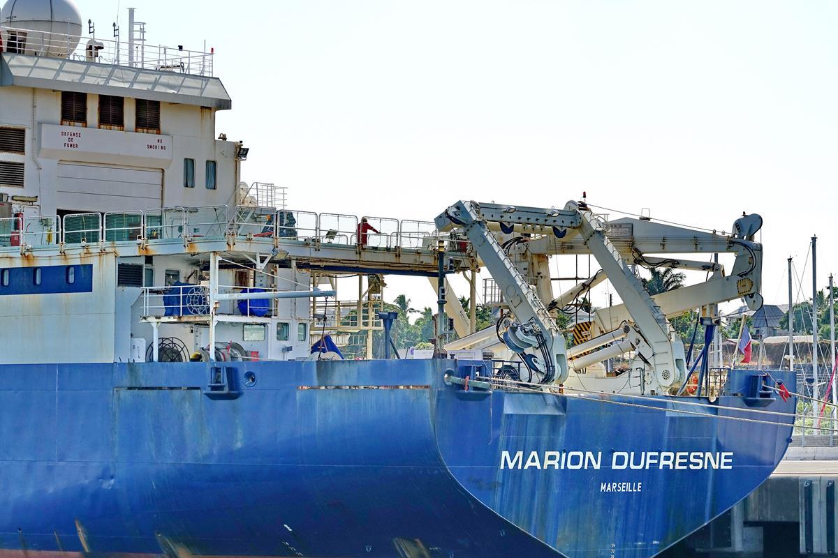 [Vie des ports] Les ports de la Réunion - Page 15 Port_681