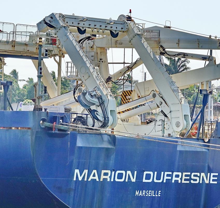 [Vie des ports] Les ports de la Réunion - Page 15 Port_694