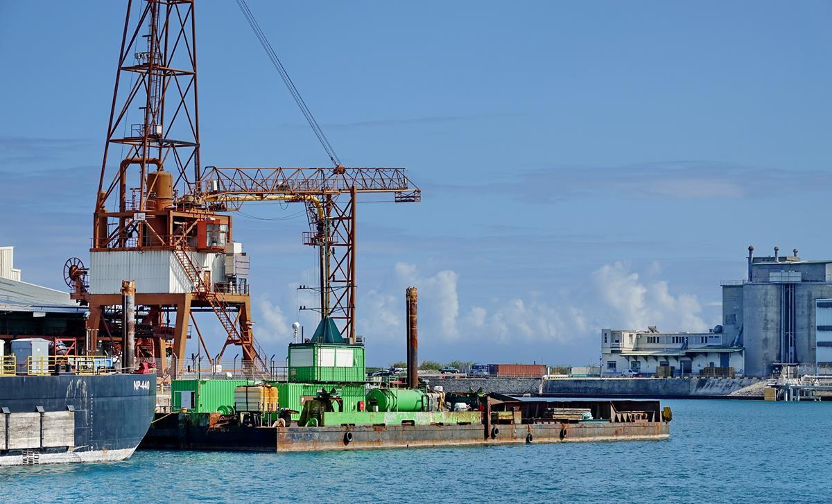 [Vie des ports] Les ports de la Réunion - Page 15 Port_704