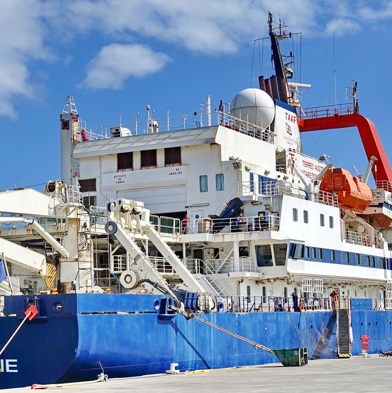 [Vie des ports] Les ports de la Réunion - Page 15 Port_709
