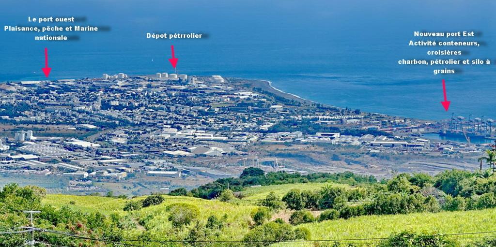 [Vie des ports] Les ports de la Réunion - Page 13 Port_710