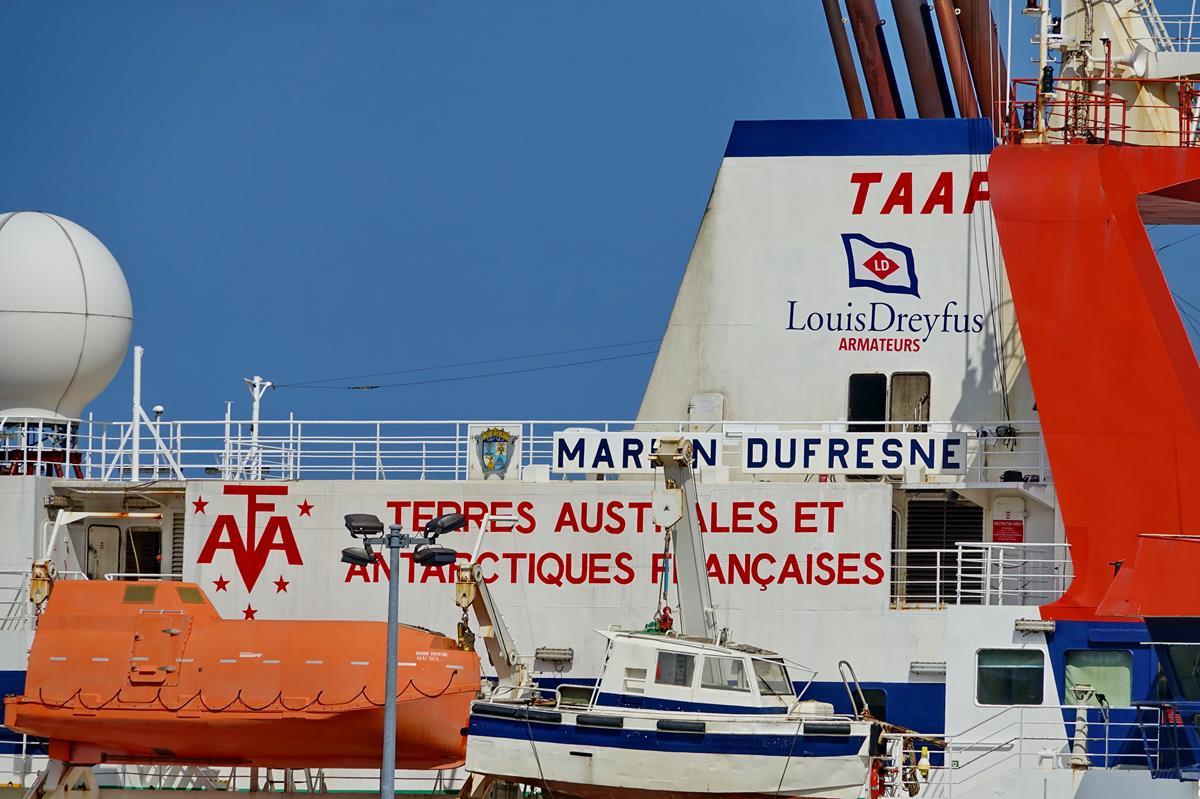 [Vie des ports] Les ports de la Réunion - Page 15 Port_720