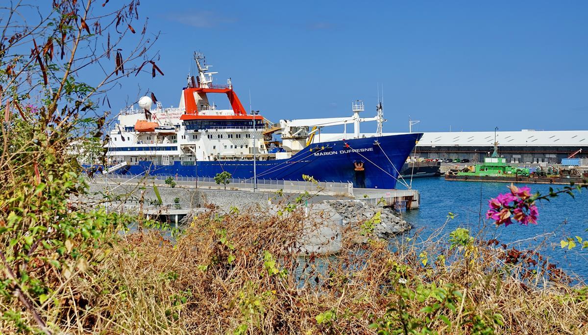 [Vie des ports] Les ports de la Réunion - Page 15 Port_728